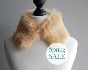 SALE 10% OFF Camel faux fur collar