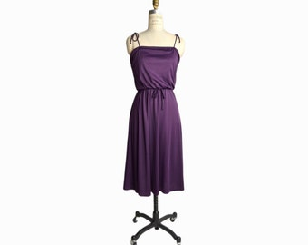 Vintage 70s Elastic Waist Sundress in Purple Plum / 70s Dress - women's small