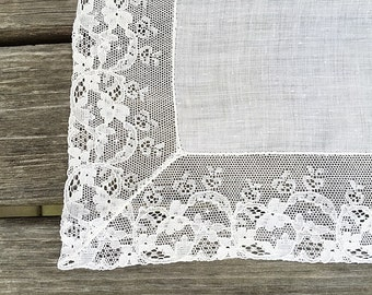 Dainty White Handkerchief Hankie White Linen & Lace Hankie Lace Brides Keepsake Hankie Wedding Hankie