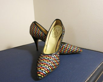 High Heels black shoes heel curvy pumps rockabilly pinup primary color woven red blue yellow curvy 1950s vintage 7