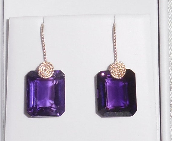40 cts Natural Octagon Purple Amethyst gemstones, 14kt yellow gold Pierced Earrings