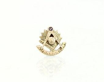 Masonic Past Master 10K Gold Vintage Lapel Pin