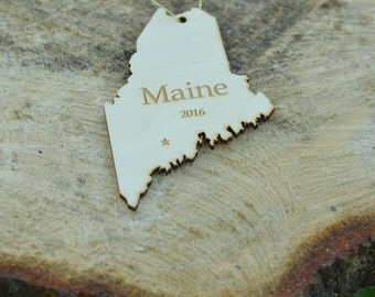Natural Wood Maine State Ornament WITH 2016