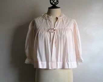 Vintage 1960s House Coat Barbizon Pale Pink Quilted 60s Crop Robe 9