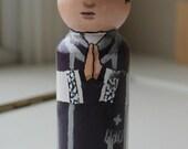"Priest Peg Doll 3 1/2"" Large Size Violet Vestments"