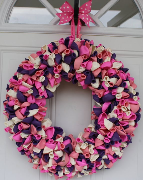 Balloon wreath front door wreath princess birthday decor for Balloon decoration for baby girl