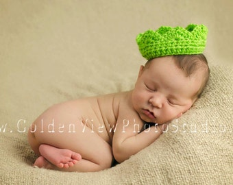 Baby Crochet Crown, photography prop, first pictures, royalty, princess, prince, king, crochet crown, newborn gift, photo prop, Tierra