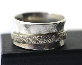 Spinning Meditation Ring, Oxidized Feather Pattern Mens Spinner Wedding Band, Women's Anxiety or Fidget Jewelry