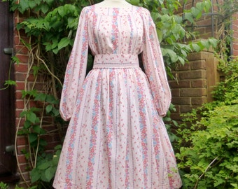 Pretty pink floral vintage summer dress 1970s size UK 12 US 8-10.