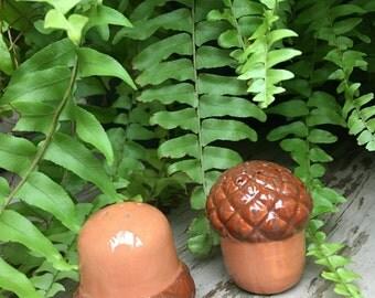 Vintage Acorn Salt & Pepper Shakers Brown Ceramic Fall Autumn Figural Kitchen Dining Decor - #A2013