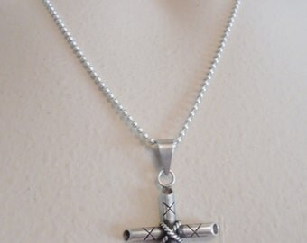 Vintage Sterling Silver Pendant Cross Necklace Signed 925 Italy 4.6 Grams Ornate Retro 1970's Statement Crucifix Jesus Christian