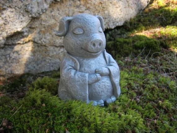 Pig statue meditating buddha pigs zen animals pig figures for Statue jardin zen