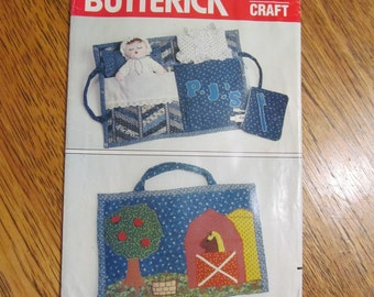 VINTAGE Children's Travel Bag / Sleepover Carrier - Quilted Pajama Bag with Doll, Barnyard Scene - UNCUT Sewing Pattern Butterick 4950 / 274