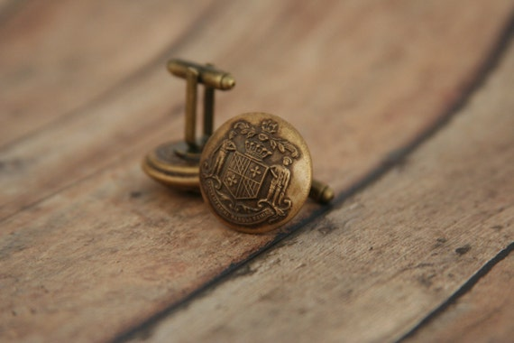 how to wear cufflinks with buttons