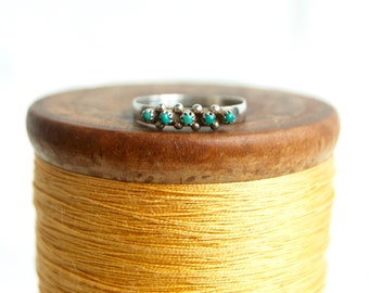 Turquoise Zuni Ring Sterling Silver Size 6 Vintage Native American Petit Point Southwestern Stackable Ring