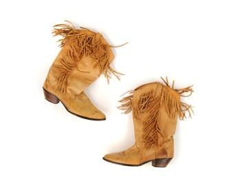 Vintage 1970's Dingo Tan Leather Western Boho Festival Fringe Wooden Stacked Heel Tassel Ankle Boots 9
