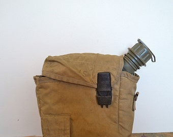 Vintage Gulf War US Military Army Water Canteen with Case