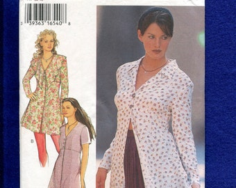 Style 2576 Rmantic Tunic or Dress with Flounced Collar Size 8 to 18 UNCUT