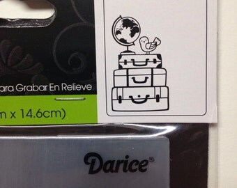 Travel Darcie embossing folder