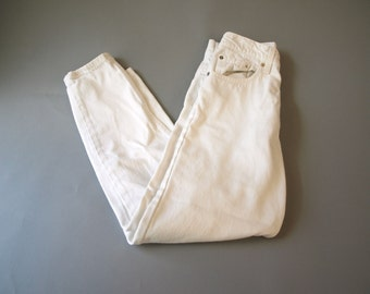Vintage women's 80s 90s white Levi's mom jeans pants W 26 L 28
