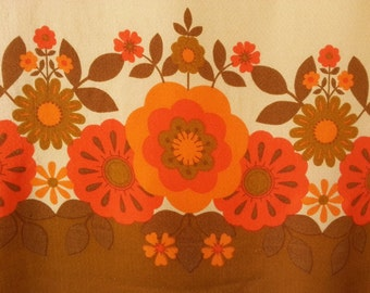Vibrant 1960's Flower Power Tablecloth in Autumn Colors