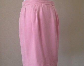 Vintage VALENTINO Night Light Pink Pencil Skirt Made in Italy Women's Size 8