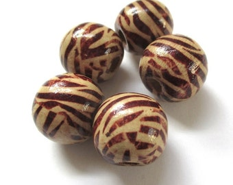 Tiger Beads. Large Wood Beads. 20mm Round Wooden Beads. Brown Tan Tiger Stripe Beads. African Style. Rustic Boho Safari Beads - 5 Pieces