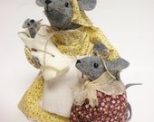 Mama Mouse with Little Mice,  Mother Mouse with Children, Mother's Day Collectible Mouse Family