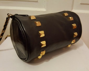LEATHER STUD PURSE // 80's Cylindrical Leather Purse Black 90's Round Chain Link Strap Small Crossbody Gold Studded