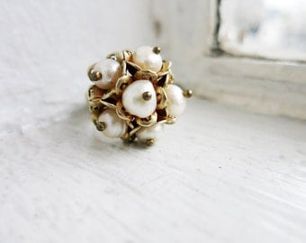 Vintage Freshwater Pearls Ring in Silver Gold Plated Finish (US Ring Size 5.5)
