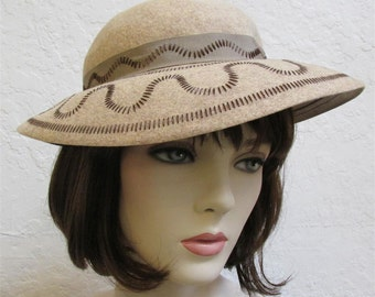 1930's Woman's Wide Brim Slouch Hat In Tan Wool Felt With Brown Stitching Detail And Tan Bow