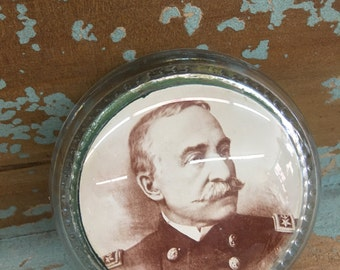 Admiral Dewey, U.S. Navy Military Portrait Glass Paperweight
