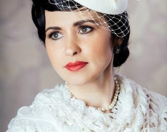 Cream Bridal Hat with Birdcage Veil - White Fur Felt Porkpie Hat - 50s wedding hat