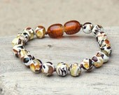 Baby teething bracelet with Baltic Amber pieces - Safety Knotted