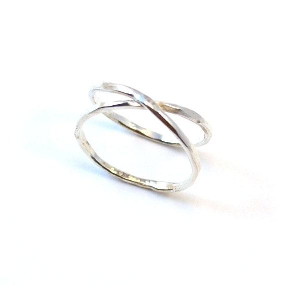 Infinity Ring in Hammered Silver. Criss Cross Ring. Crossover X Ring.