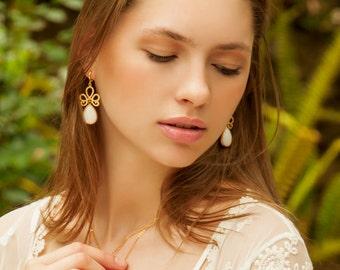 Delicate earrings - White