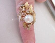 Lovely Vintage Designer ESPO  Pearl, Rhinestone 18KT HGE SIZE 6 Cocktail Ring in Gold Setting, Size 6, Dinner Ring, Cocktail Ring