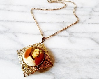 Vintage Filigree Portrait Cameo Cabochon Necklace