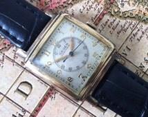 G R U E N - Vintage Gruen Veri-Thin Men's Swiss Watch, Doctors Watch, 10K Gold Filled Square Case, Fancy Lugs and Large Center Seconds