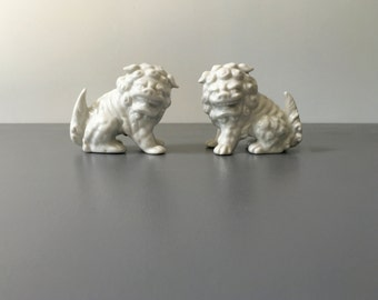 vintage white porcelain foo dogs pair small Made in Japan chinoiserie