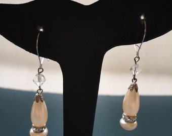 Vintage Art Deco Faux Pearl and Diamante Drops on Fish Hook/Pierced Earrings - 1930s - Bridal/Prom/Special Occasion - Champagne/Dark Ivory