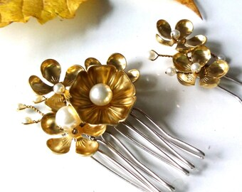 Gold flower hair comb, bridal hair pin, woodland wedding, bridesmaid accessories, gift