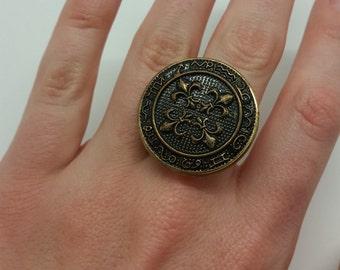 Fleur De Lis Button Ring