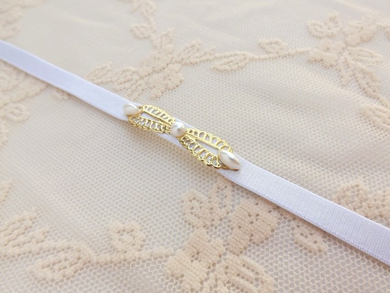 White elastic belt. Waist belt. Thin belt. Pearls belt. Stretchy belt. Skinny belt. Bridal belt. Dress belt. Bridesmaids belt. Gold belt.