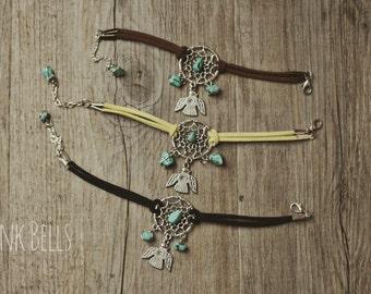 Dreamcatcher bracelet, boho style with turquoises beads and Thunderbird