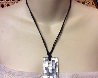 Vintage 1960's mother of pearl chips hand made necklace.