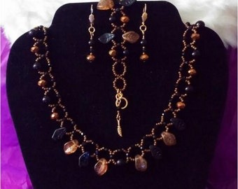 Black N Gold Rush Leaf Necklace Set