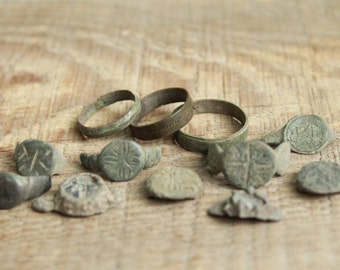 set of 12 parts of Antique rings ... digging finds ... found in the ground ... antique jewelry ... found objects ... vintage ring