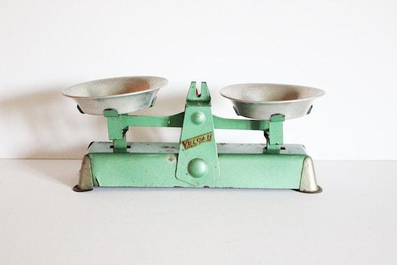 Vintage Mid Century 1950s Small Kitchen Scales