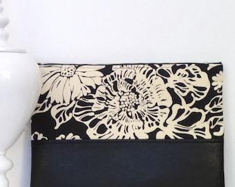 Clutch / Oversize Clutch Bag /  Fold over Clutch Bag / Clutch Purse / Evening Bag / Handbag / Purse / Black and Natural